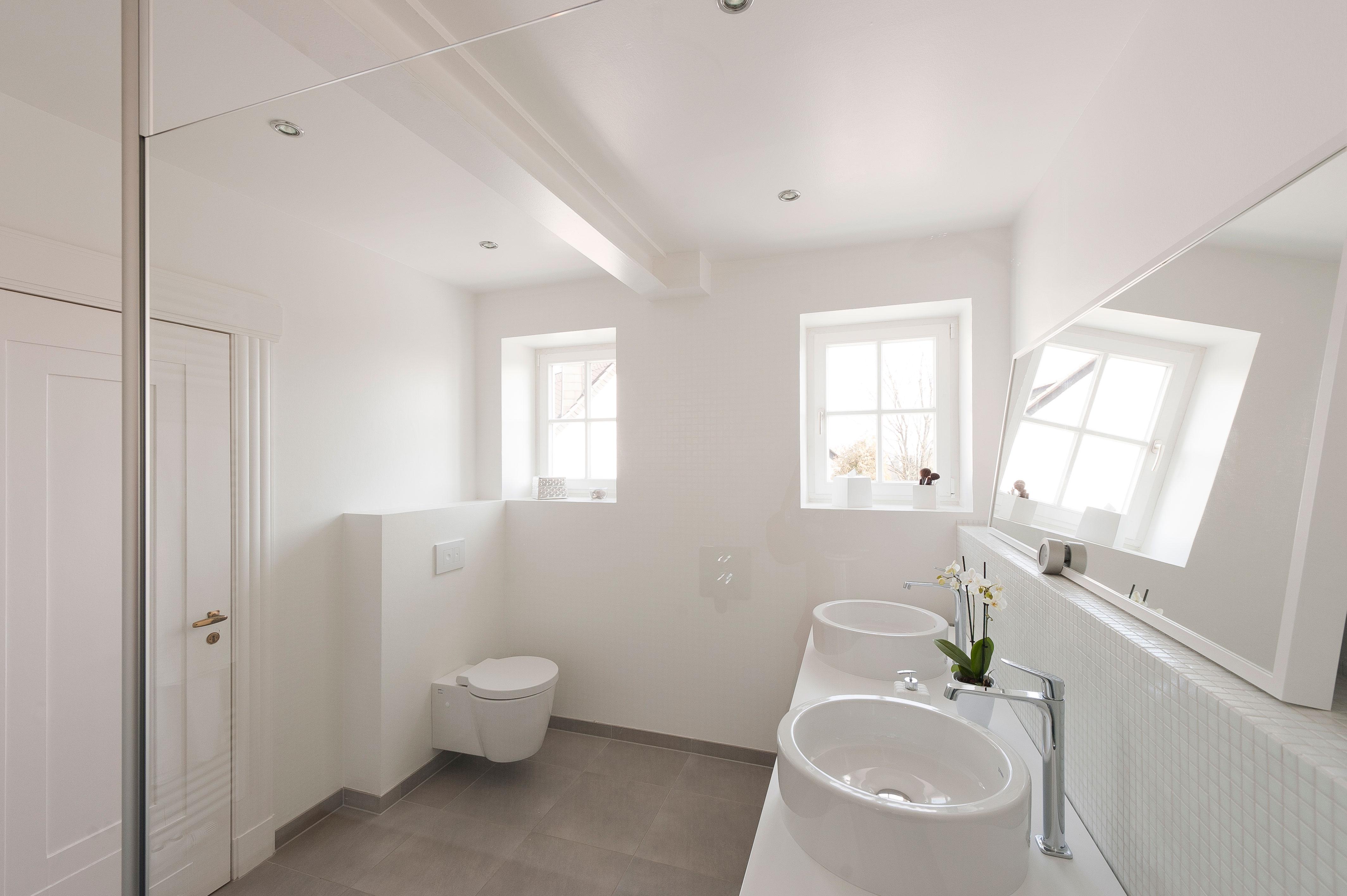 Wuppertal sanierung einfamilienhaus badezimmer oxenfart for Sanierung badezimmer